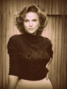 Just Beautiful....Love her Shirt!  Lana