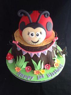 lady bug cute cake Ladybug Cakes, Ladybug Party, Bee Cakes, Cupcake Cakes, Cupcakes, Cupcake Ideas, Gorgeous Cakes, Amazing Cakes, Fondant Animals