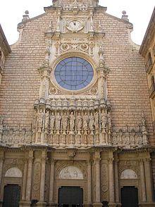 Façana de la basílica de Santa Maria de Montserrat