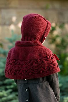 Ravelry: Hollyberry Bonnet and Hollyberry Cape pattern by Kyoko Nakayoshi
