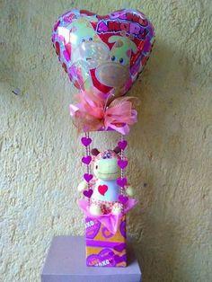 Valentine Gift Baskets, Valentines Gifts For Boyfriend, Valentines Day Party, Valentine Crafts, Balloon Decorations Party, Valentine Decorations, Birthday Explosion Box, Surprise Box Gift, Diy Graduation Gifts