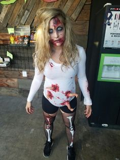 Eyeball, pumpkin, pea, the witch, nun, where is waldo, deviled egg costume, pregnant unicorn, snow lady and baby, peanut M&M, golfer and hole-in-one, gum ball machine and a quarter, kim kardashian are some of the best ideas for pregnant halloween costumes. Halloween Outfits, Clown Halloween, Halloween 2018, Fall Halloween, Halloween Makeup, Halloween Pregnant Costume, Maternity Halloween, Deviled Egg Costume, Pregnancy Costumes