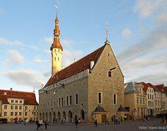 The Tallinn Town Hall, Tallinn's Old Town, Estonia. https://victortravelblog.com/2013/07/15/tallinn-ferry-viking-invasion/