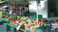 Markt im Graben in Aarau. Jeden Samstag von 07.00h - 12.00h und Mittwoch von 08.00h - 12.00h