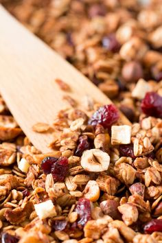 -A TOMBER- Granola maison a faire en 5 minutes a la poêle ! -A TOMBER- Granola house to do in 5 minutes in the pan! Healthy Cereal, Healthy Snacks, Healthy Recipes, Healthy Breakfasts, Eating Healthy, Clean Eating, Muesli, Protein Shake Diet, Protein Smoothies