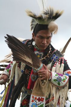 Poarch Creek Indian pow wow offers symbols of ancient religion (video) Native American Beauty, Native American Photos, Native American Tribes, American Indian Art, Native American History, American Indians, American Symbols, Indian Pow Wow, Native Indian