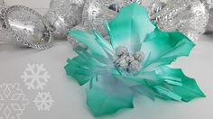 Aluminum Foil and Paper Holly Berry Xmas Decoration Handmade Flowers, Diy Flowers, White Christmas, Christmas Crafts, Large Paper Flowers, Holly Berries, Holly Leaf, Xmas Decorations, Flower Making