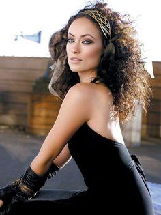 Love her crazy curls!