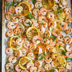 A complete shrimp sheet pan dinner with only 5 ingredients. Yes, just five! Plus, who can resist that garlic butter sauce, right?