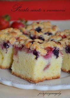 Prościutkie ciasto z owocami, które zawsze się udaje. Niedrogie, bo tylko z trzech jaj. Szybkie, pyszne, najlepsze w sezonie owocowym))... Sweet Recipes, Cake Recipes, Food Cakes, Vanilla Cake, Cheesecake, Muffin, Food And Drink, Sweets, Cookies