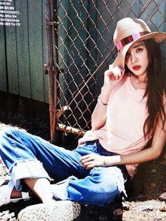 Sandara Park by Yoo Young Gyu for Voguegirl Korea July 2015 South Korean Girls, Korean Girl Groups, 2ne1 Dara, Sandara Park, Girl Korea, Girls Magazine, Vogue Korea, Korean Celebrities, Celebs