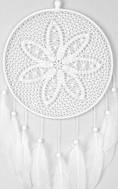 White Dream Catcher Crochet doily Dreamcatcher feathers Source by claudinedelihu Wedding Wall Decorations, Decor Wedding, Crochet Pillow Patterns Free, Granny Square Projects, Flower Chart, Tribal Baby Shower, Dream Catcher White, Crochet Dreamcatcher, Family Photo Frames