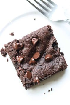 Chewy, rich and slightly gooey, these vegan avocado brownies are your sweet dreams come true! Whip up this quick and easy recipe in minutes and enjoy all the simple decadence of the best healthy vegan brownies! Vegan Avocado Brownies, Healthy Vegan Brownies, Vegan Desserts, Vegan Strawberry Shortcake, Vegan Key Lime Pie, Flax Seed Recipes, Vegan Blueberry, Vegan Chocolate, Other Recipes