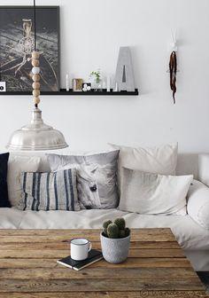 wonderwood   Stuevegg omorganisering // Re-organizing the livingroom wall