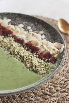 Vegan Green Superfood Smoothie Bowl