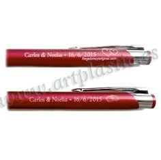 Bolígrafo metálico personalizado.
