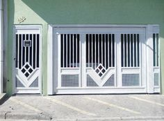 portão residencial com motivos de losango House Design, Grill Door Design, Grill Design, Road Design, Iron Doors, Window Grill Design, Door Gate Design, Fence Design, Main Door Design