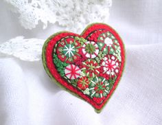Christmas Heart. Felt brooch. Christmas Gift. Hand embroidery Brooch. French knot. Red Heart. Textile Brooch.Folk Art. Gift forHer. Brooch. by SvitLoShop on Etsy