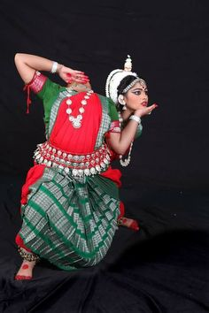 """Indian Classical Odissi Dance Pose- """"Chinnamosta"""" maa."""