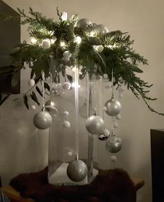 christmas centerpieces 21 beautiful christmas decorating ideas on a budget 00004 Christmas Vases, Outside Christmas Decorations, Christmas Arrangements, Christmas Flowers, Cheap Christmas, Rustic Christmas, Simple Christmas, Christmas Wreaths, Christmas Stairs