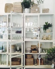 Organizing in such a pretty way! www.harbor17.com
