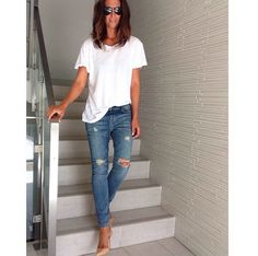 White T, ripped denim and a nude heel!