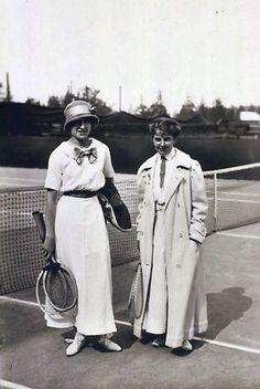 Olympiasiegerin im Damentennis 1912 Marguerite Broquedis #WomenMW #sportsMW mehr dazu auf http://tour-de-kultur.de/2017/06/19/museumweek-2017/