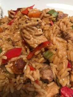 Χοιρινή τηγανιά με ρύζι. #γρήγορο 🍛 Grains, Rice, Chicken, Meat, Food, Salad, Eten, Seeds, Meals