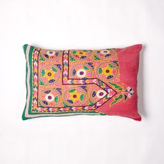 khushi vintage cushion Big People, Little People, Vintage Cushions, Soda, Printing On Fabric, Stitch, Unique, Prints, Collection
