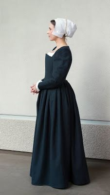~WastedWeeds~: Blue Elizabethan middle class gown/kirtle (inspired by Trevelyon, Renaissance Costume, Renaissance Fashion, Renaissance Clothing, Tudor Fashion, Steampunk Clothing, Steampunk Fashion, Gothic Fashion, 16th Century Fashion, 16th Century Clothing