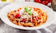 Η πιο νόστιμη μακαρονάδα ναπολιτάνα | My Review Spaghetti, Ethnic Recipes, Food, Essen, Meals, Yemek, Noodle, Eten