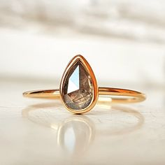 Pierścionek złoty z naturalnym diamentem / Dawid Pandel / Biżuteria / Pierścionki pierścionek, pierścionek złoty, pierścionek z diamentem, pierścionek z brylantem, pierścionek z kamieniem szlachetnym