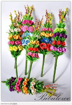 palemki na Stylowi.pl Polish Easter Traditions, Easter Crafts, Christmas Crafts, Celebration Around The World, Quilted Ornaments, Easter Wreaths, Spring Flowers, Paper Flowers, Floral Arrangements