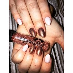 NEW GLITTER! who's loving rose gold at the moment!  This glitter is awesome if your wanting something different🎀