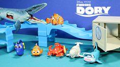 New Finding Dory Disney,Pixar Swigglefish Hank Truck Playset Vs Mosasaur...