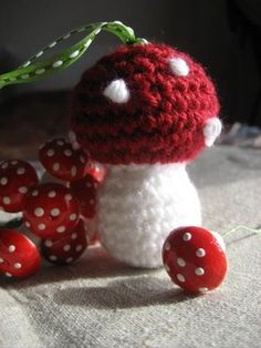 This is so cute! - O.F. Patterns and Tutorials: Crocheted Mushroom, thanks so for sharing xox
