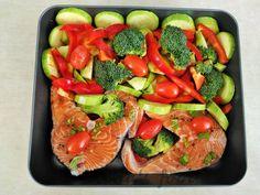 somon cu legume la cuptor preparare Bruschetta, Ethnic Recipes, Food, Diet, Meal, Essen, Hoods, Meals, Eten