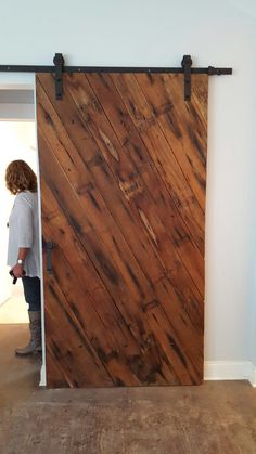 This barn door is gorgeous. I want this for my house!
