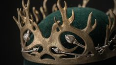 A crown fit for a king. #joffrey #gameofthrones #fashion