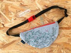 PanFelicjan polish embroidery, belt bag
