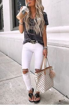 cute and casual spring outfits to update your wardrobe. Cute Outfits Ideas To Wear During Spring. Cute Outfits Ideas To Wear During Spring Fashion 2020, Look Fashion, Fashion Outfits, Womens Fashion, Fashion Tips, Korean Fashion, Fashion Quiz, Fashion Black, Fashion Prints