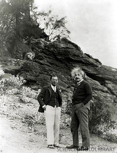 Einstein recuperating in Palm Springs, 1933 Albert Einstien, Albert Einstein Poster, Nobel Prize In Physics, Famous Artists Paintings, Theoretical Physics, Theory Of Relativity, E Mc2, People Of Interest, Historical Pictures