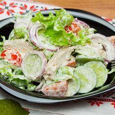 Perfectă pentru doamne ce au grijă de siluetă! Salată Regală - incredibil de gustoasă - savuros.info Healthy Salad Recipes, Low Carb Recipes, Salad Bowls, Fresh Rolls, Lettuce, Food Videos, Healthy Lifestyle, Health Fitness, Food And Drink