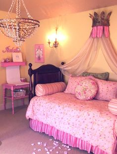 pretty in pink girl's room