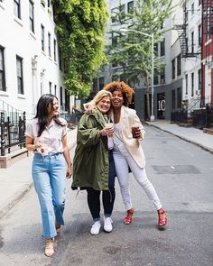 When the power of friendship meets the power of the perfect fit.  @latonyayvette and her squad talk coffee-dates, the NYC hustle, and (finally!) finding the perfect pair in the latest on her blog.
