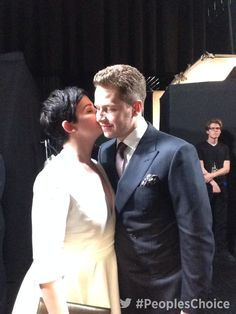 People's Choice @peopleschoice - Backstage at #PeoplesChoice Awards 2015 with @ginnygoodwin and @joshdallas