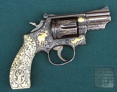 Elvis Presely's .357 Magnum revolver, a gift to VP Spiro Agnew (courtesy commercialappeal.com)
