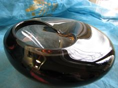 Cigar Ash Tray – Mid Century Modern – Scandinavian or Czech Glass – heavy smokey tourmaline glass – vintage 1950s 1960s Design – Mad Men Era von everglaze auf Etsy