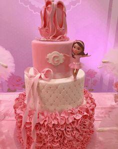 bolo festa a bailarina Ballerina Birthday Parties, Ballerina Party, Themed Birthday Cakes, Birthday Cake Girls, Princess Birthday, Themed Cakes, Ballet Cakes, Ballerina Cakes, Girl Cakes