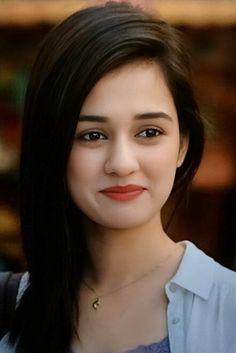 Disha Patani my favourite Beautiful Girl Photo, Cute Girl Photo, Beautiful Girl Indian, Beautiful Girl Image, Most Beautiful Indian Actress, Beauty Full Girl, Cute Beauty, Beauty Girls, Beautiful Bollywood Actress
